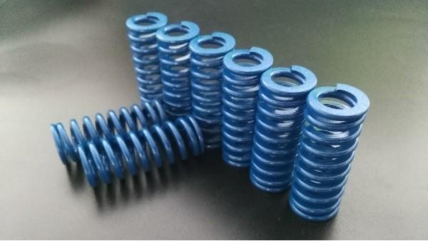 模具弹簧常用一般分三种