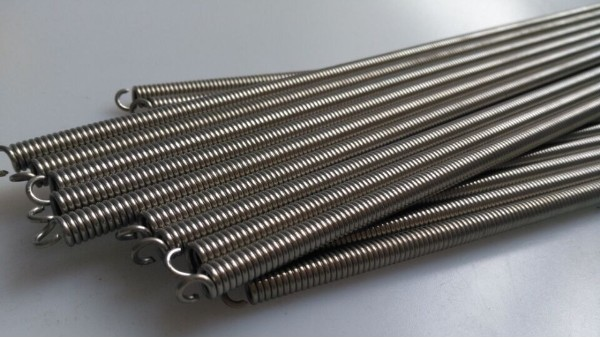 不锈钢弹簧表面去污方法